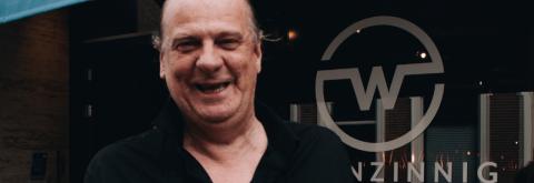 Gastheer Dirk van Waanzinnig